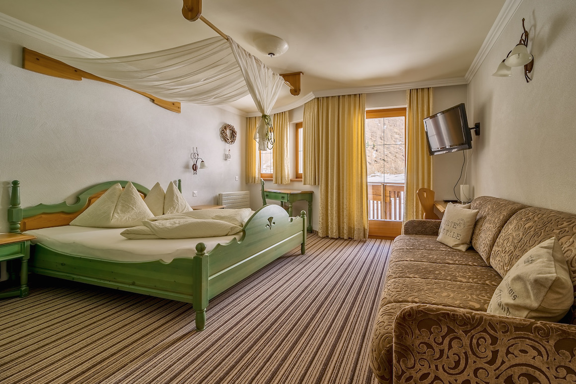 Himmelbettzimmer im Hotel Chasa Nova