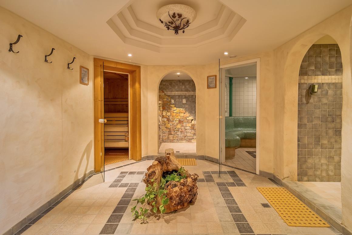 Zugang zum Saunabereich