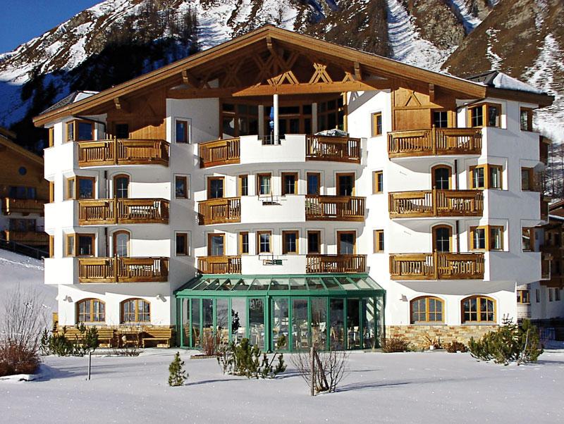 Hotel Chasa Nova im Winter